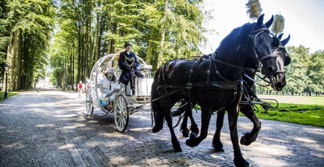 Wie rijdt er mee in deze sprookjesachtige koets? Foto: Paleis Het Loo
