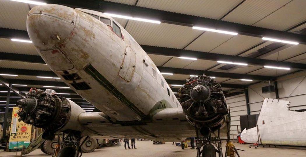 De nieuwste aanwinst van het museum: de C-47 Skytrain, ook wel bekend als de Dakota. Foto: Oorlogsmuseum Overloon © Albert Hendriks.