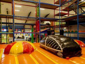 Zowel kleine als grote kids vermaken zich bij Ballorig. Foto: Ballorig © Leonie Kuizinga
