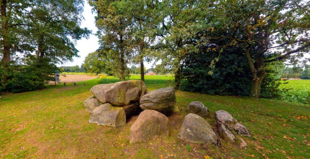 Reis digitaal mee door Drenthe en neem een virtueel kijkje in het Hunebedcentrum. Foto: Dit is Drenthe.