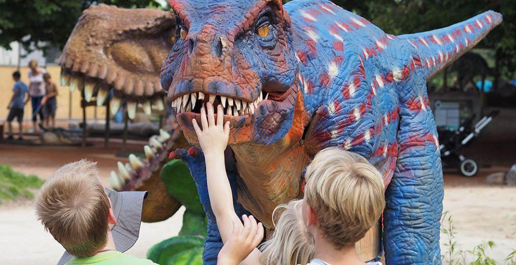 Beleef je eigen Jurassic Park momentje bij een van deze dino uitjes. Foto: Dinoland Zwolle.