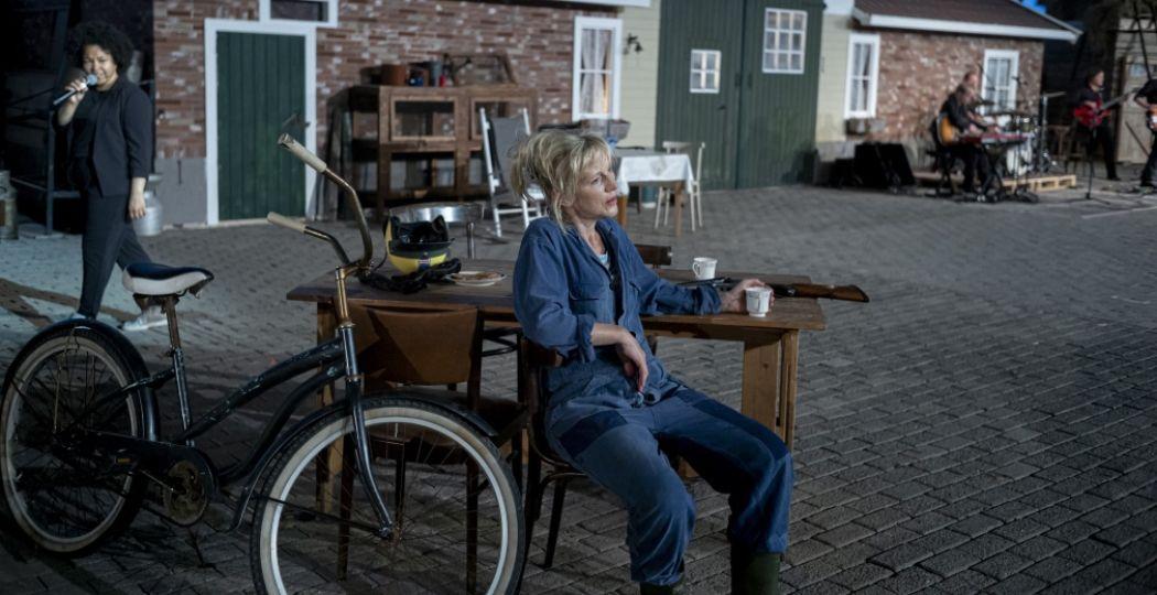 Johanna ter Steege als Twentse boerin Hanna. Foto: Hanna van Hendrik, Schouwburg Hengelo © Ben van Duin.