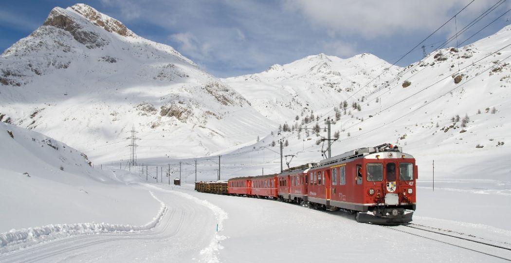 Onbezorgd op wintersport met de trein. Foto:  Pexels.com