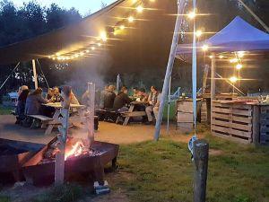 Lukt het jouw team om zelf vuur te maken? Foto: Adventure Twente.