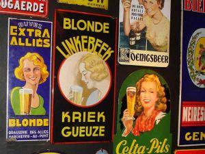 Een geschiedenis aan bierreclame. Foto: Lenny Sinke