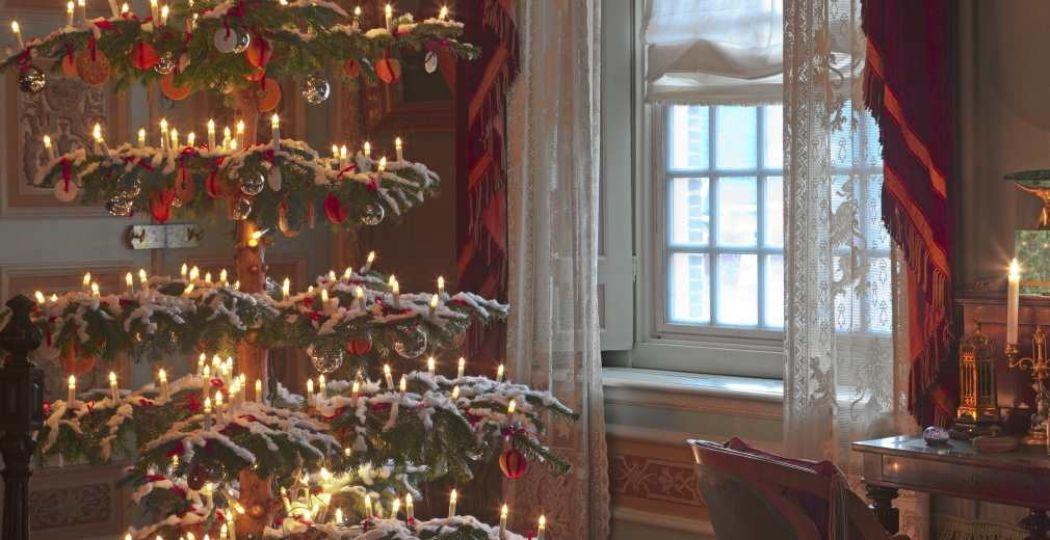 Een rijkelijk versierde kerst bij Winterpaleis Het Loo. Foto: Paleis Het Loo © Hesmerg