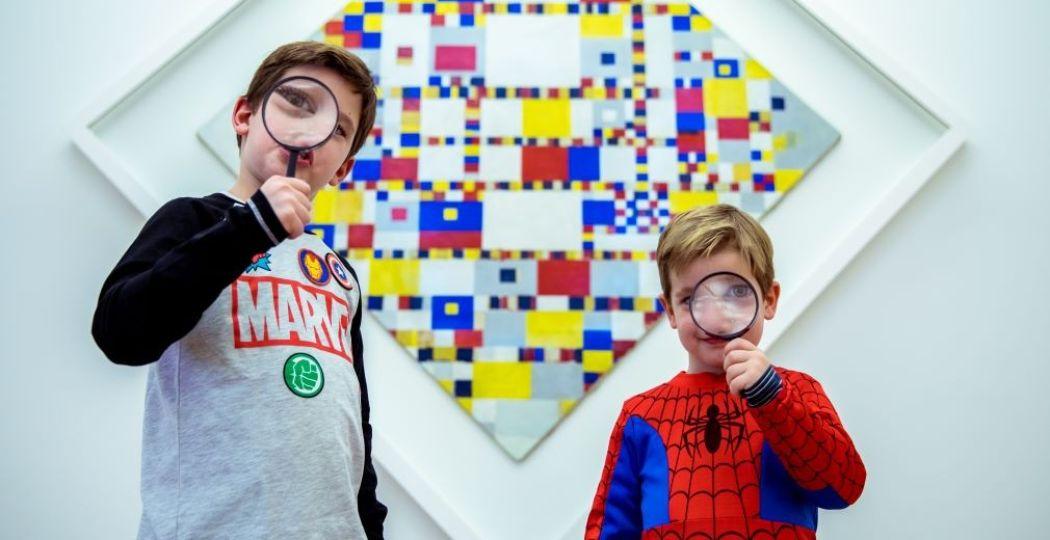 Volg de Heldentour en spaar met powerpunten je eigen heldenoutfit bij elkaar tijdens de eerste Museumnacht Kids. Foto: Museumnacht Kids.