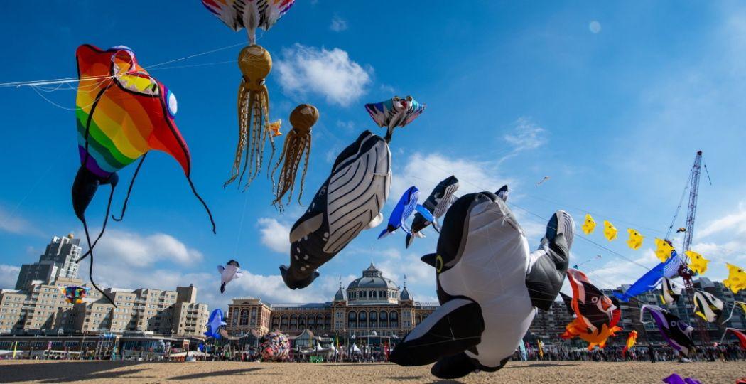Wauw! Een indrukwekkend en vrolijk spektakel: Vliegerfeest Scheveningen. Foto: Vliegerfeest Scheveningen, Team Lekker Windje.