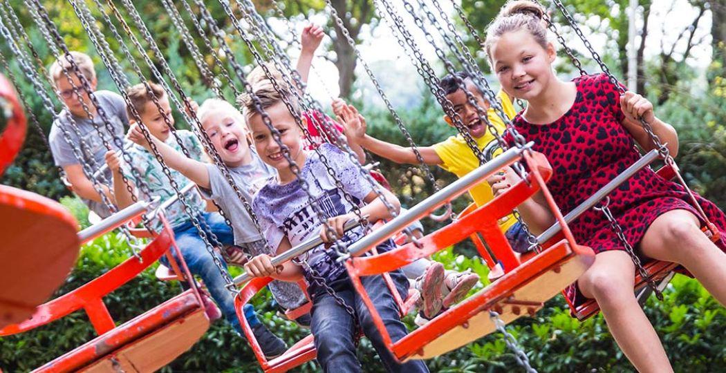 Nostalgische attracties voor het hele gezin in Familiepretpark de Waarbeek! Foto: De Waarbeek.