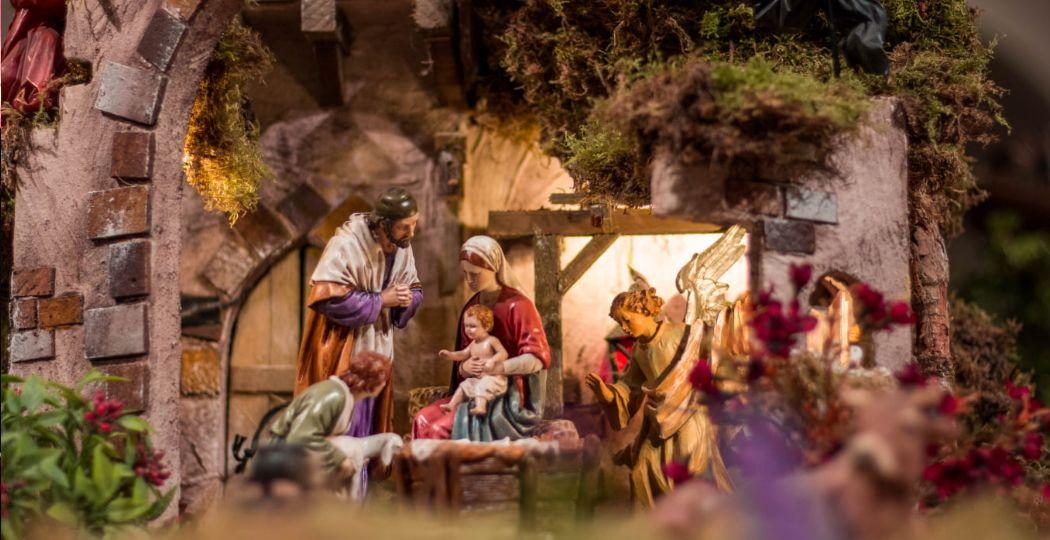 De geboorte van Jezus en veel meer scenes van het kerstverhaal in Feest van Licht. Foto: Museumpark Orientalis