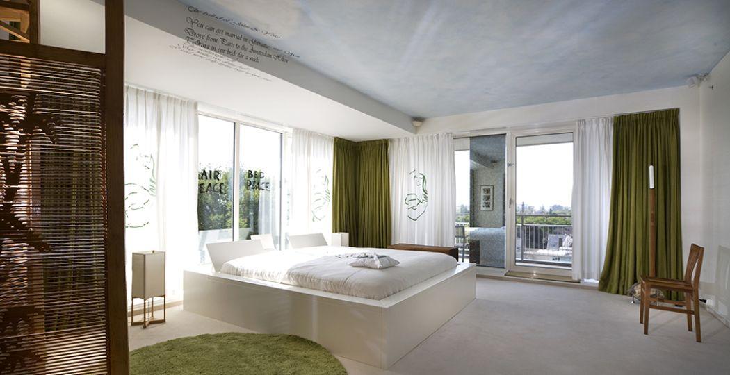 Wereldnieuws in 1969: de Bed-in for Peace van John Lennon en Yoko Ono in suite 902 van het Amsterdamse Hilton. Foto: Hilton Amsterdam.