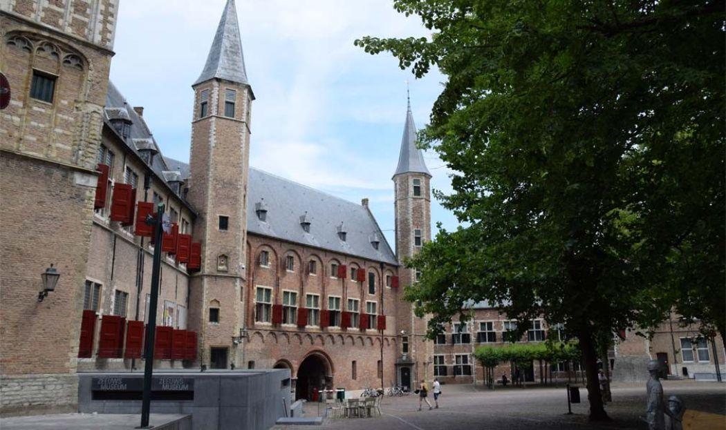 Het Zeeuws Museum in Middelburg is gevestigd in een middeleeuwse abdij. Foto: Redactie DagjeWeg.NL