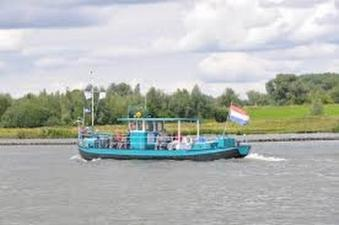Vaar door de waterlinie met de Liniepont