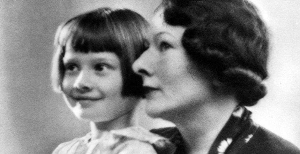 Audrey met haar moeder. Foto: Airborne Museum'Hartenstein'.