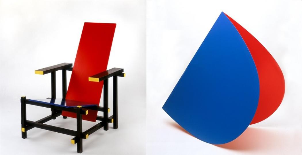 Gerrit Rietveld, Red and Blue Chair, 19191950, coll. Stedelijk Museum Amsterdam en Elsworth Kelly, Blue and Red Rocker, 1963, coll. Stedelijk Museum Amsterdam. Foto: Stedelijk Museum Amsterdam.