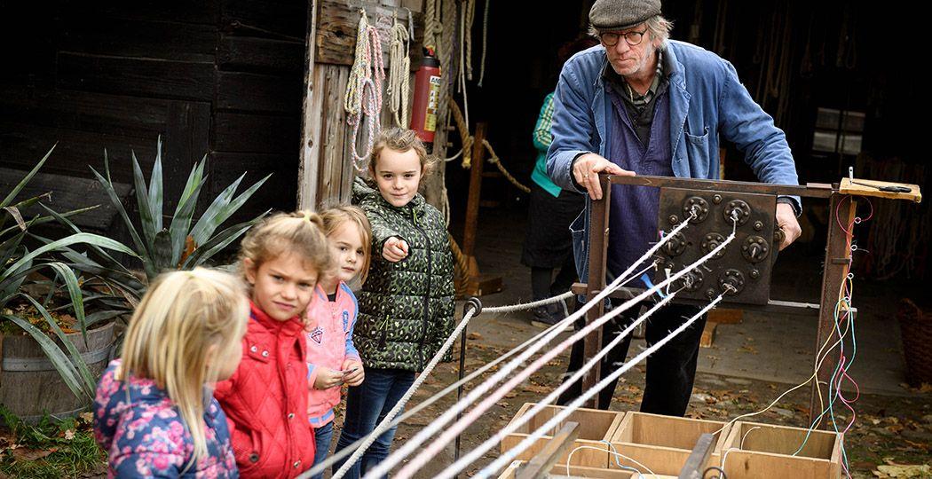 Volg de oude ambachtenroute in het Nederlands Openluchtmuseum. Foto: Nederlands Openluchtmuseum © Mike Bink