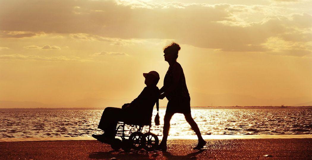 Gelukkig zijn er veel mooie plekken in de natuur waar je ook met een rolstoel kunt komen. Foto:  Pixabay  © adamtepl