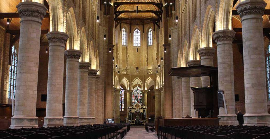 Een must tijdens een dagje Delft: de Nieuwe Kerk. Indrukwekkend, beeldschoon en vol historie. Foto: DagjeWeg.NL.