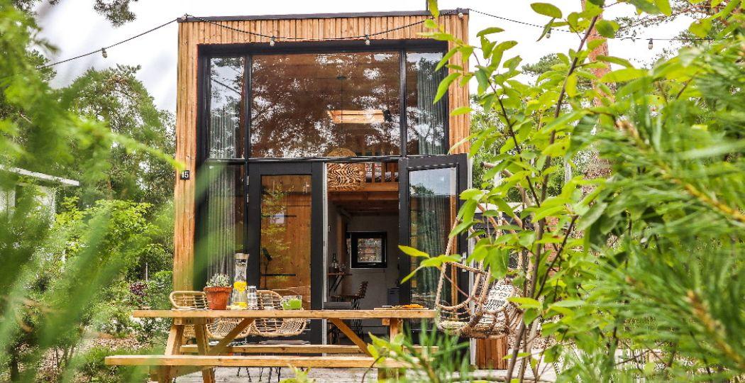 Genieten van de natuur rondom de Tiny Houses. Foto: DroomParken