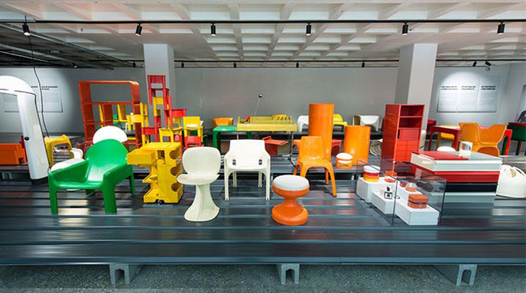 Ontdek de kleurrijke collectie van plastic in het Plasticarium! Foto: ADAM - Christophe Licoppe.