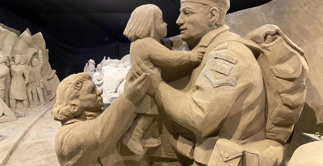 't Veluws Zandsculpturenfestijn staat in 2020 in het teken van 75 Jaar Vrijheid en blikt terug op de Tweede Wereldoorlog en de bevrijding. Foto: 't Veluws Zandsculpturenfestijn.