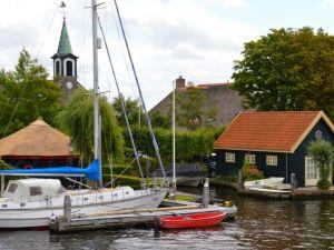 Rondvaart over de mooie Kagerplassen. Foto: Rederij van Hulst.