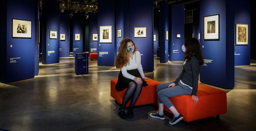 Kom ook kijken in de Eregalerij van de Nederlandse Fotografie. Wat vind jij van de keuzes? En welke foto zou je toe willen voegen? Foto: Nederlands Fotomuseum © Fred Ernst