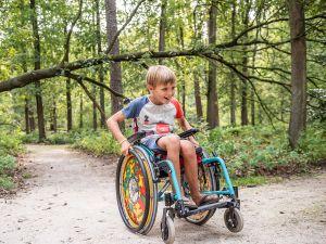 Lekker spelen in de natuur. Foto: Natuurmonumenten © Janine Bekkers