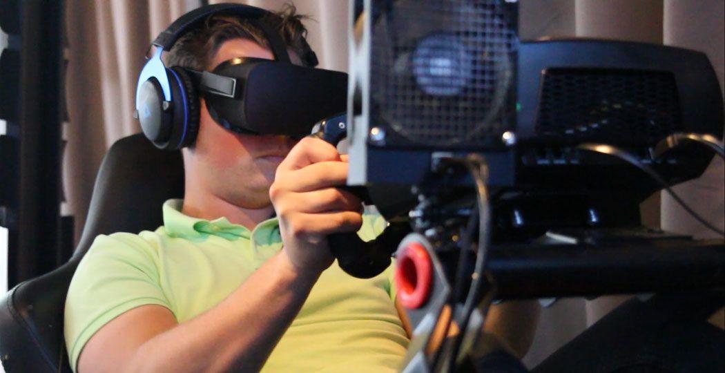 Formule 1 racen in virtual reality is een levensechte ervaring vol adrenaline. Foto: DagjeWeg.NL