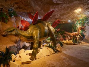 Fossielen zoeken in de groeve. Foto: MergelRijk