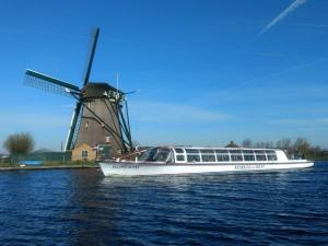 Rondvaart over de mooie Kagerplassen. Foto: Rederij van Hulst