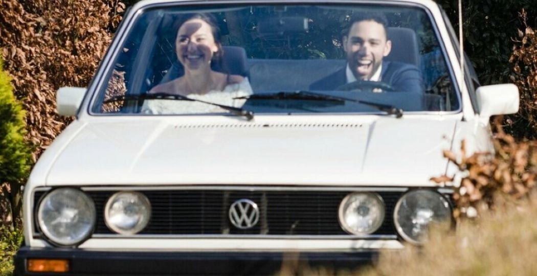 Samen romantisch een dagje toeren in een VW-klassieker. Foto: Vintagecars Wapenveld.