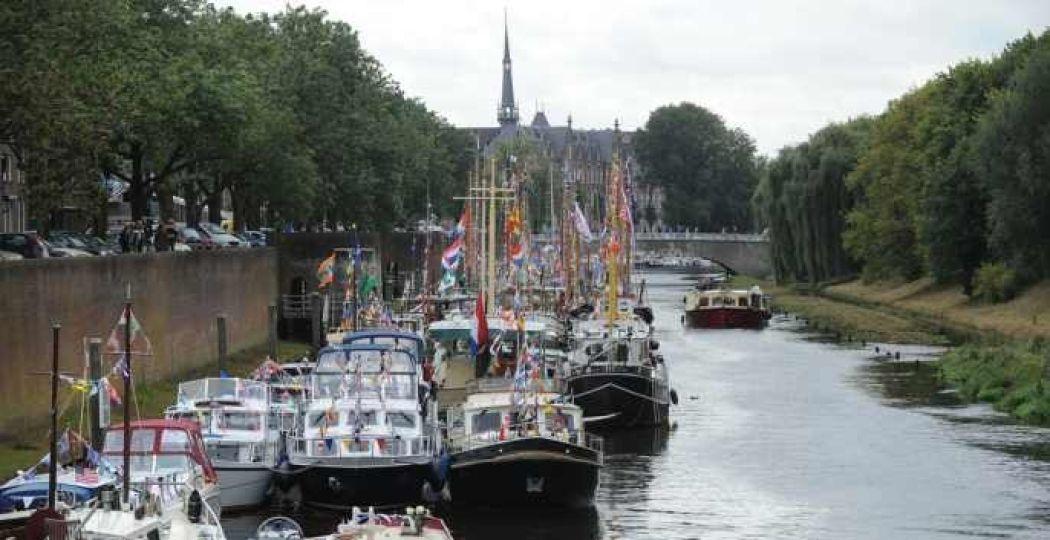 De mooiste historische schepen zie je dit weekend in 's-Hertogenbosch. Foto: Henk van Esch