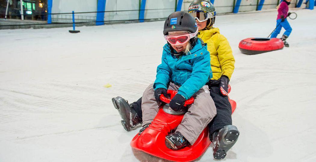 Op wintersport in Nederland: trotseer de piste in de polder. Foto: SnowWorld Terneuzen.