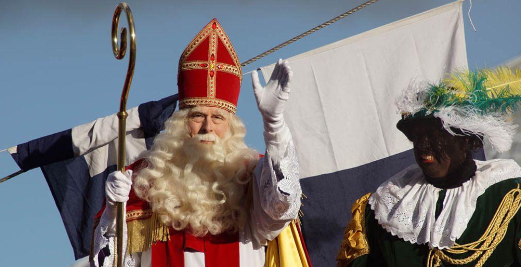 Hij komt eraan! De lieve, goede Sint is onderweg naar Nederland! Foto: 'Sinterklaas'. Fotograaf:  Floris Looijesteijn . Licentie:  Sommige rechten voorbehouden . Bron:  Flickr.com .