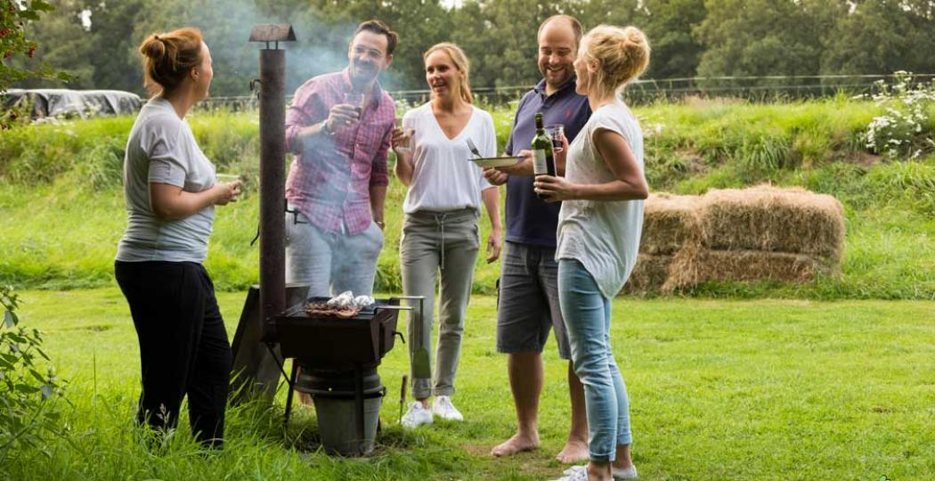 Gezellig barbecueën met vrienden of familie! Foto: © Otto Kalkhoven 2016, All rights reserved.