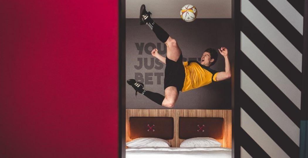 Voetbalfanaten zijn welkom om de unieke collectie van het voetbalmuseum te bewonderen. Foto: HUP