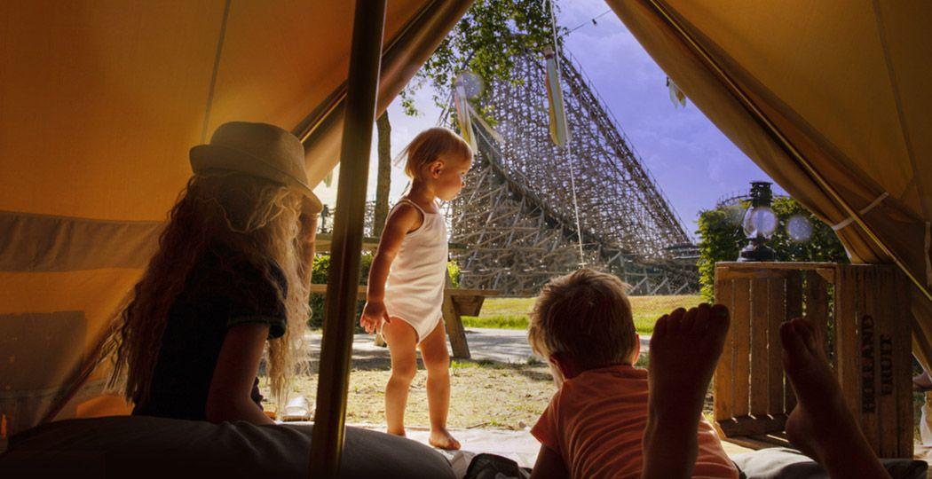 Zin een een bijzondere vakantie? Ga dan bijvoorbeeld kamperen in Attractiepark Toverland. Alsof je in een andere wereld bent. Foto: Attractiepark Toverland