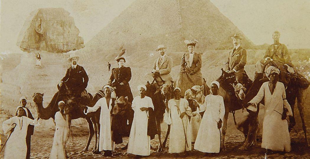Selfie in Egypte voor de piramides. Foto: Kasteel De Haar.