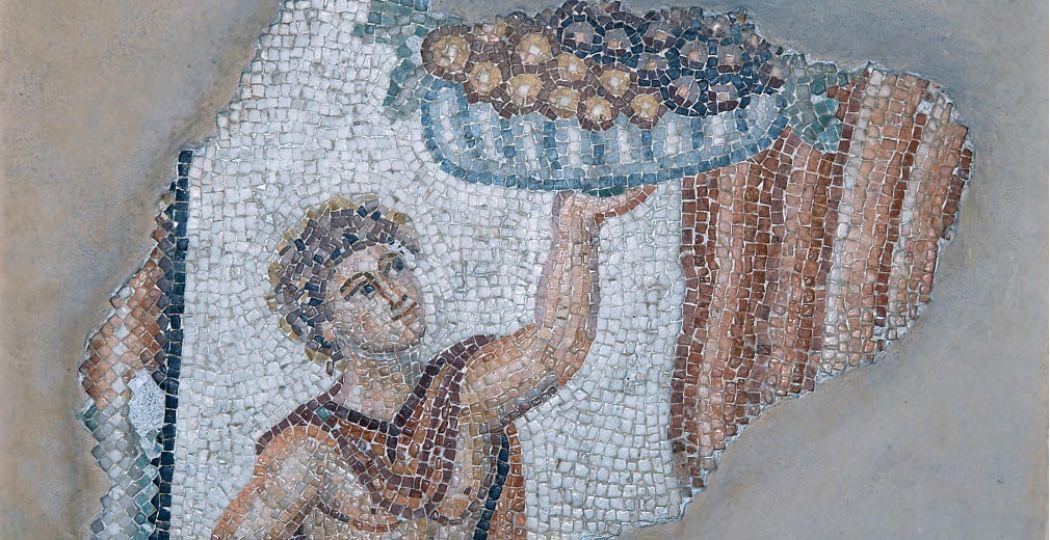 Jongeman met fruit, mozaiek, Romeins, 2de eeuw na Chr., uit Lambousa © Cyprus Museum, Nicosia.