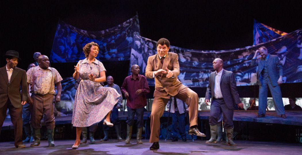 Joanne Telesford als Winnie en Kenneth Herdigein als Nelson Mandela. Foto: DeLaMar Theater