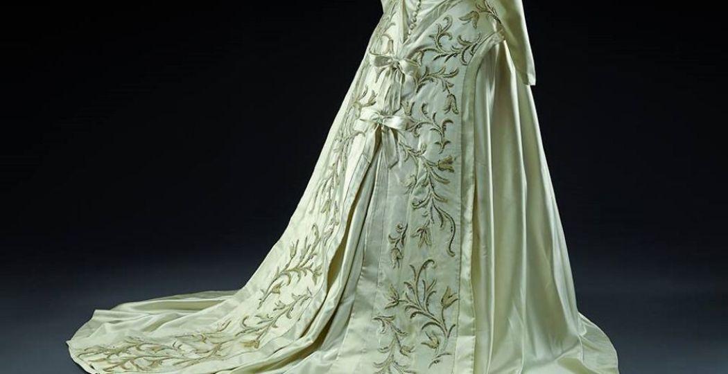 Eén van de prachtige jurken die te zien is in de expositie. Foto: Museum voor het Kostuum en de Kant