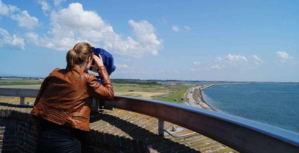 Geniet van de prachtige natuur en mooie uitzichten in Zeeland. Foto: Redactie DagjeWeg.NL.