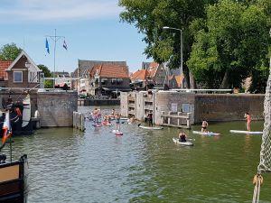 Suppen in Hoorn of een andere stad. Foto: DagjeWeg.NL © Tonny van Oosten