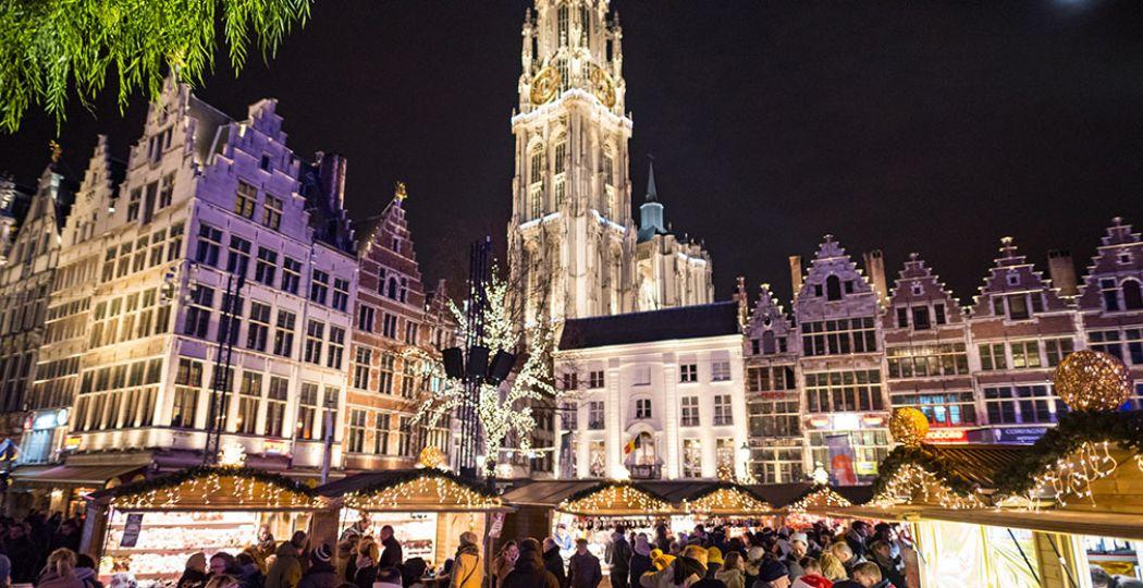 Kom in de kerststemming op de uitgebreide kerstmarkt van Antwerpen. Foto: Visit Antwerpen © Gianni Camilleri