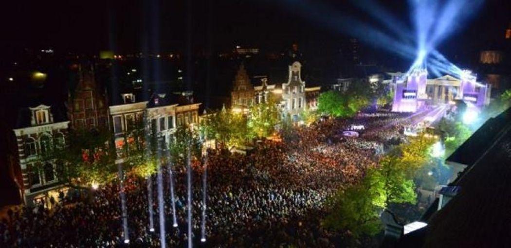 Tienduizenden mensen komen op het muziekspektakel af. Foto: Willem-Jan de Bruin
