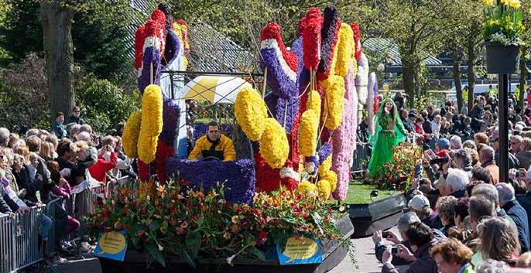 Het Bloemencorso van de Bollenstreek heeft dit jaar als thema '200 jaar Koninkrijk'. Foto: Sven van der Lugt, Bloemencorso Bollenstreek