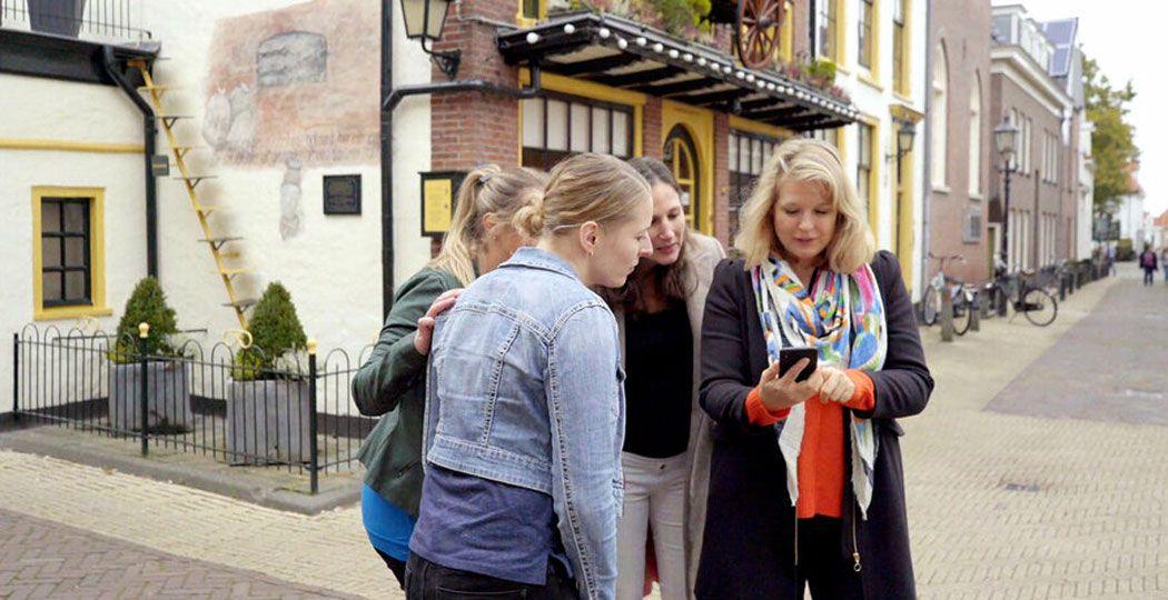 Ga op pad met een groepje en vind de geheime uitgang van de stad waar je bent. Foto: Escape Tours