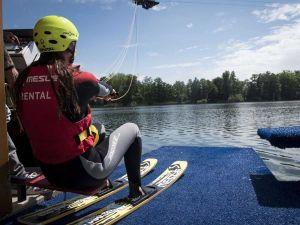 Een prachtige waterskibaan aan de rand van Weert. Foto: Waterskibaan De IJzeren Man
