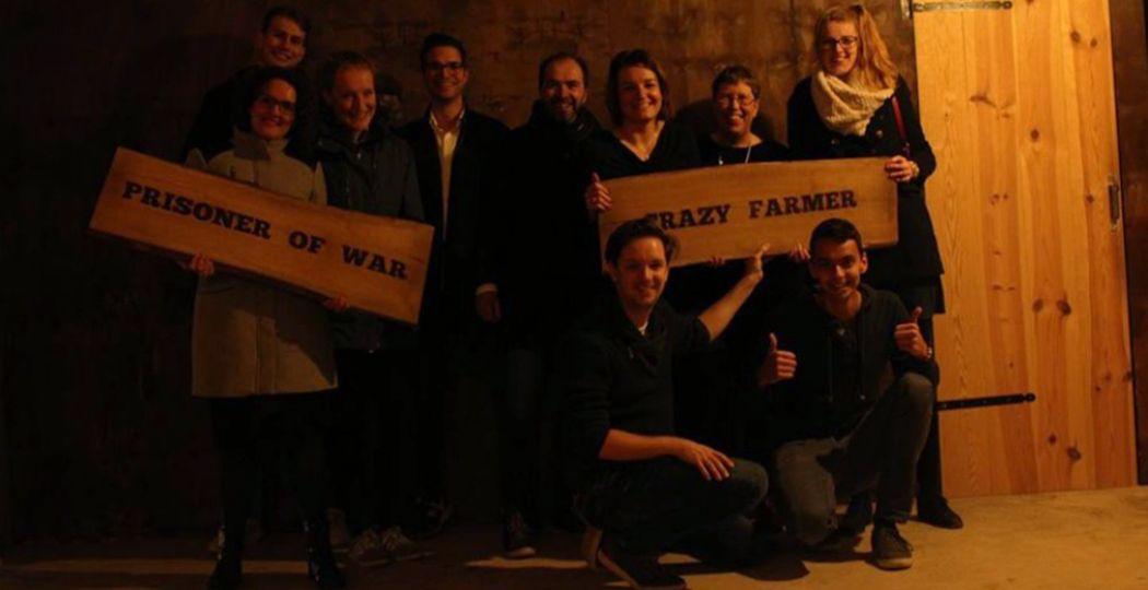 Cheese! Na de overwinning - of een mislukte ontsnappoging - zet Escape Room Wageningen iedereen op de foto. Zie hier het DagjeWeg.NL team! Foto: Escape Room Wageningen.